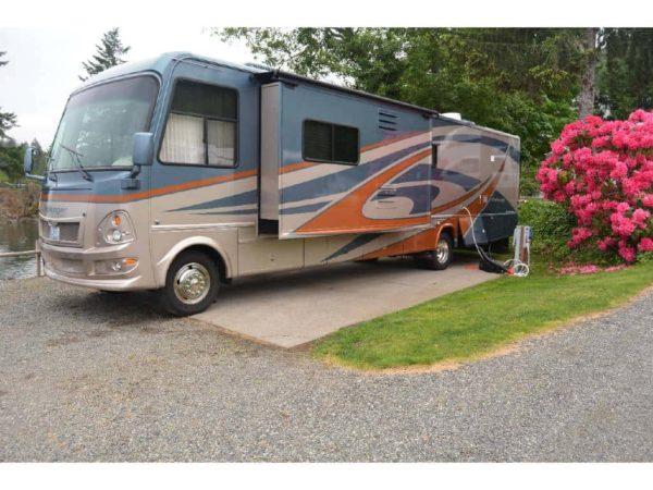 Challenger 38' Class A RV for rent -RV rentals Phoenix AZ - Going Places RV Rentals