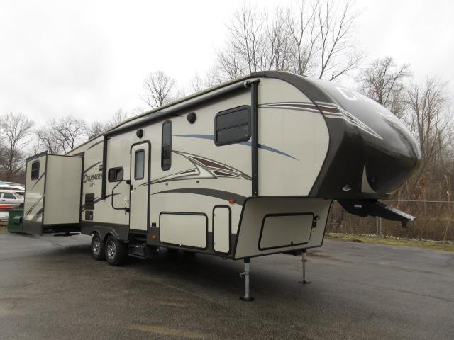 Crusader 36' Fifth Wheel for rent - RV rentals Phoenix AZ - Going Places RV