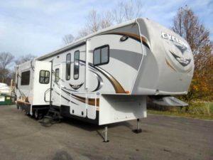 Cyclone XL 42' Fifth Wheel Toy Hauler for rent - RV rentals Phoenix AZ - Going Places RV