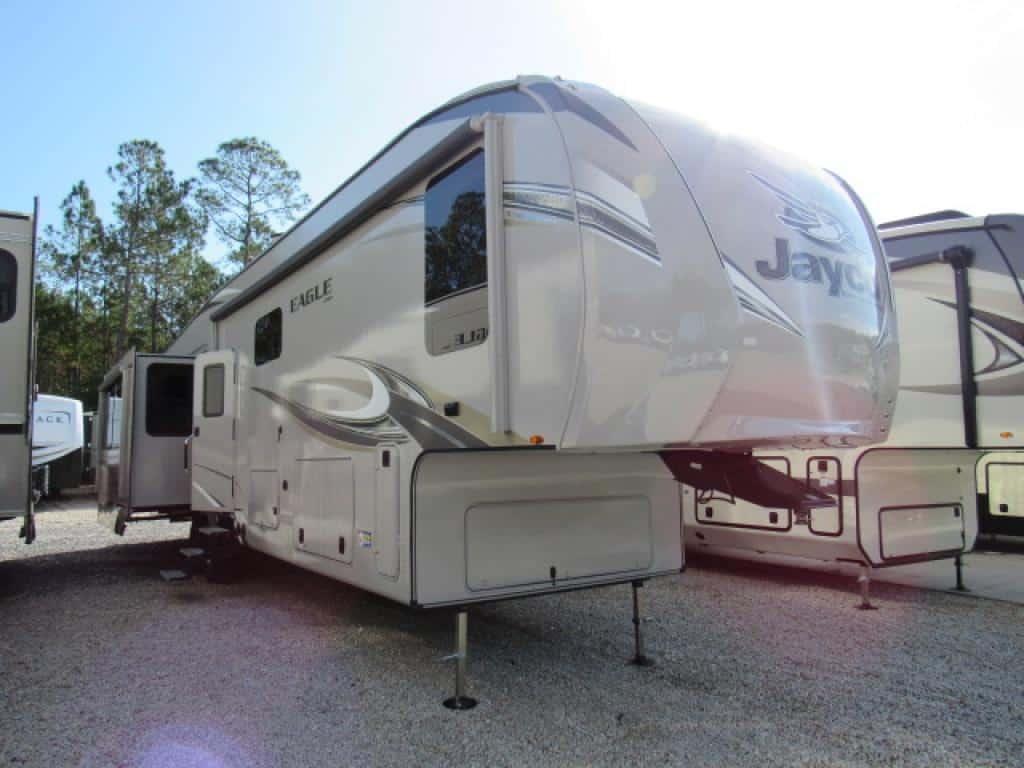 Eagle 42' Fifth Wheel for rent - RV rentals Phoenix AZ - Going Places RV Rentals