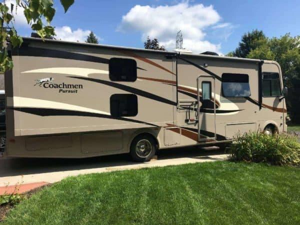 Pursuit 33' Class A RV for rent - RV rentals Phoenix AZ - Going Places RV Rentals