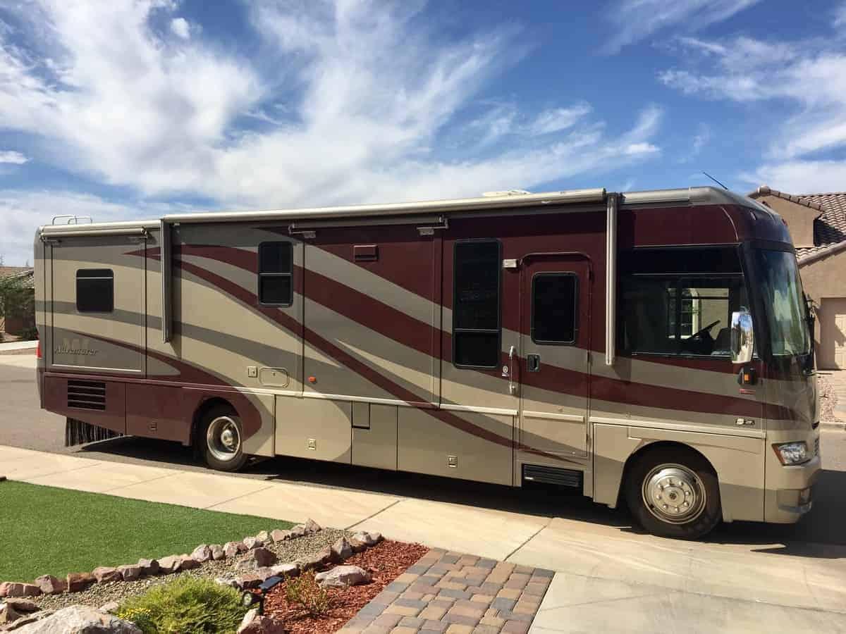 Winnebago Adventurer Class A RV for rent - RV rentals Phoenix AZ - Going Places RV