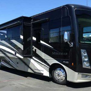 Thor Miramar RV Rental Phoenix - Going Places RV Rentals